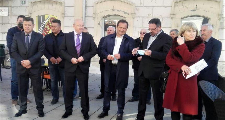Na HNS-ovoj listi za Županijsku skupštinu liječnici, aktivisti...  Amirudin Talakić kandidat za gradonačelnika Karlovca: U HDZ-u nisam bio ni na klupi