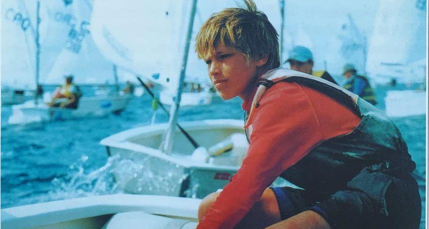 Na ovoj fotografiji je prvi Zadranin u povijesti koji je postao pojedinačni svjetski prvak u jedrenju