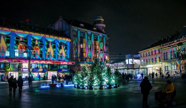 Svjetlosni efekti očarali i promijenili središte Osijeka