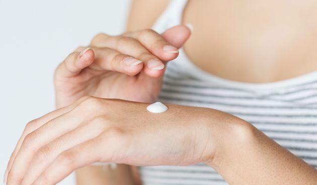 Klor i more mogu dodatno iziritirati osjetljivu kožu