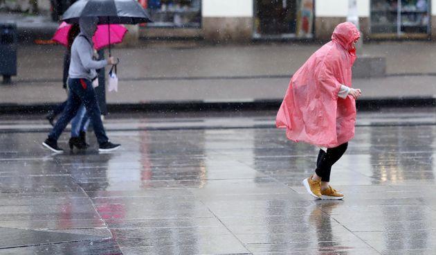 Kišno i vjetrovito jutro u Zagrebu