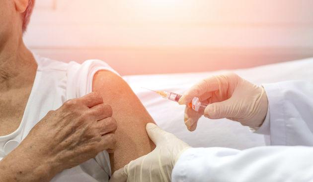cijepljenje, starica