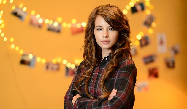 Zoe Kalember (16)