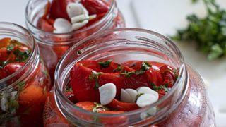Hrana fina by Jozefina: Pečene paprike odličan su izbor za brzinski ručak, a višak možete pretvoriti i u zimnicu!