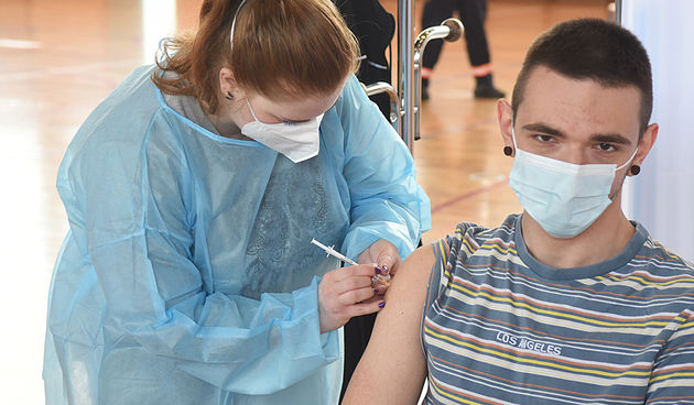 Kako konačno zaustaviti širenje pandemije? Jesu li cijepljene osobe sigurne od korone - mnogo i pomaže mnogo!?