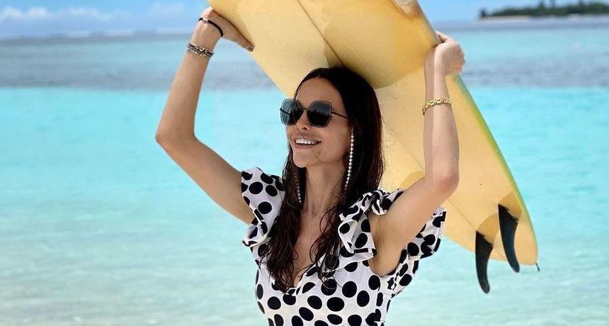 Muška publika će uživati u čarima, a ženska će se pitati gdje je Severina kupila ovaj prekrasni kupaći