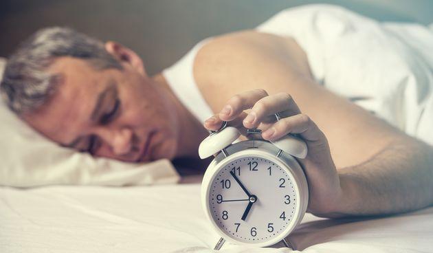 Lijenost, spavanje, buđenje, budilica