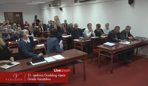 Pogledajte kako Ivan Čehok i HDZ-ovac Robert Gotić 'komuniciraju' o tome kako treba glasovati (thumbnail)
