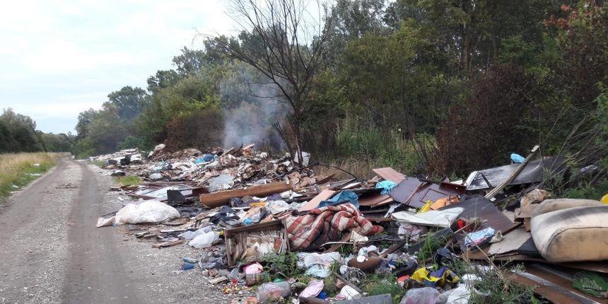 Grad Pag potrošio sto tisuća kuna na sanaciju divljih odlagališta