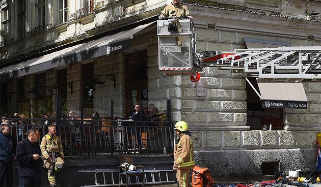 FOTO, VIDEO Karlovačka Promenada danas u znaku vatrogasaca: Građanima pokazuju dio onoga što rade,vozila i opremu koju imaju...