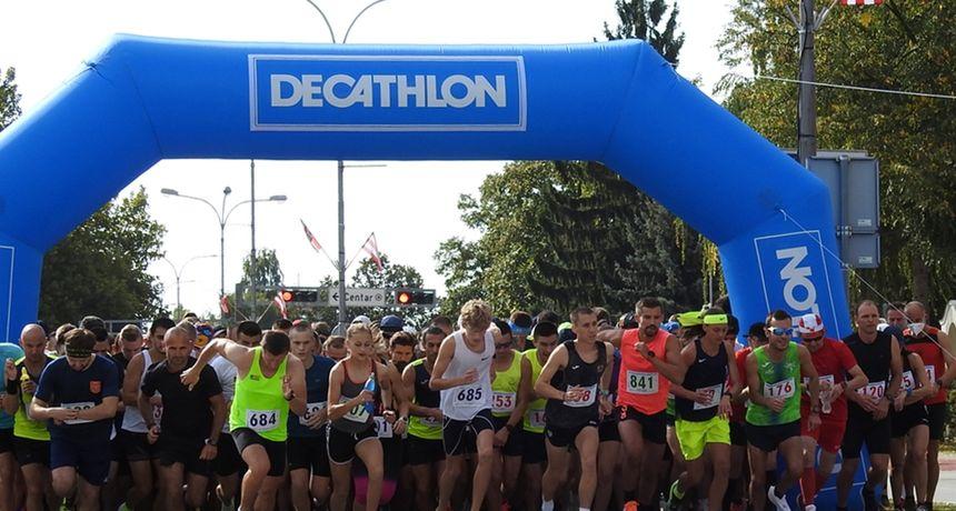 Kristijan Rubinić i Tea Faber pobjednici 27. Varaždinskog polumaratona. Utrku obilježila i smrt jednog trkača