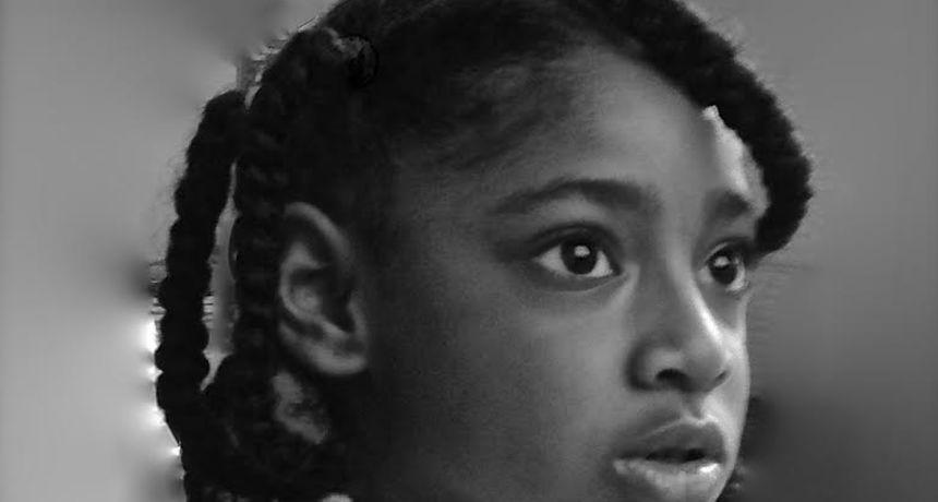 Ella (10) je prva žrtva zagađenja zraka u Velikoj Britaniji, majka upozorava: 'Za drugu djecu nije kasno'