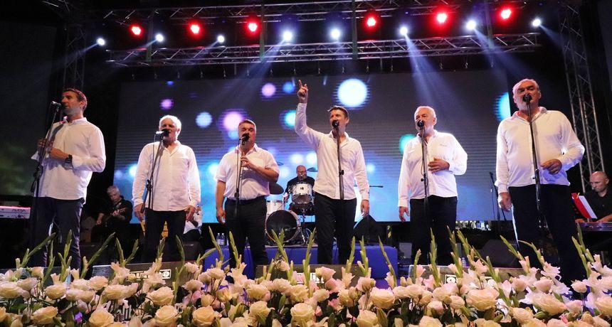 U četvrtak koncert Tomislava Bralića i klape Intrade na Trgu pet bunara