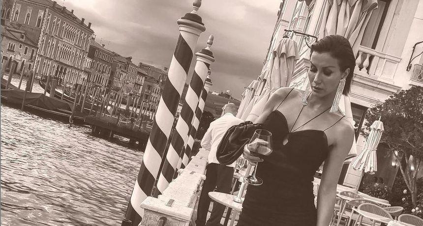 Haljine su se pažljivo birale: Ani Gruici Uglešić savršeno pristaje Venecija iz koje objavljuje očaravajuće fotografije