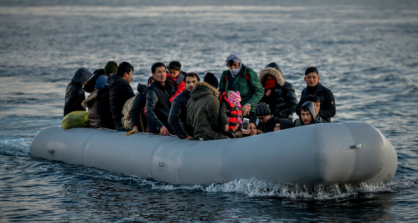 Najmanje 41 migrant izgubio je život u potapanju plovila, među stradalima je i beba