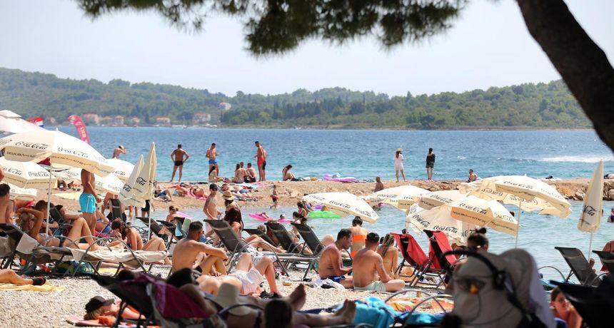 Sezona stiže, Nijemci nisu optimistični: 'Hrvatskoj je turizam važan, ali stanje s koronom tamo je i dalje kritično'