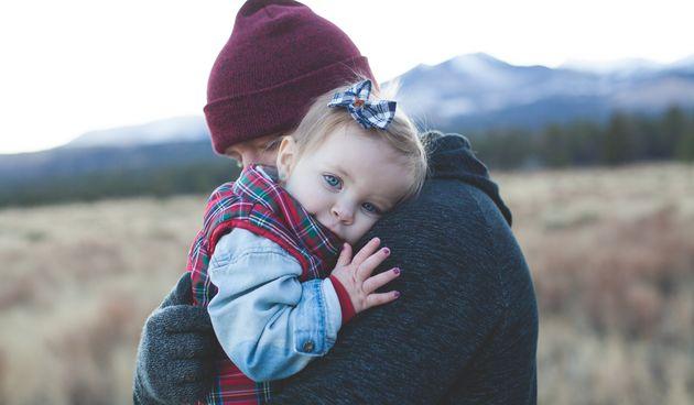 Ako imate jako emotivno dijete zagrlite ga kad god vam se pruži prilika