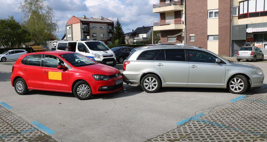 NIJE PAZIO Izlazio s parkinga i udario u vozilo autoškole u kojem su bile kandidatkinja (19) i instruktorica