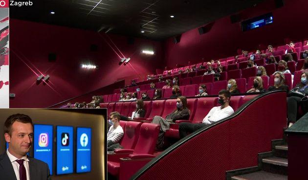 studenti na nastavi u kinu