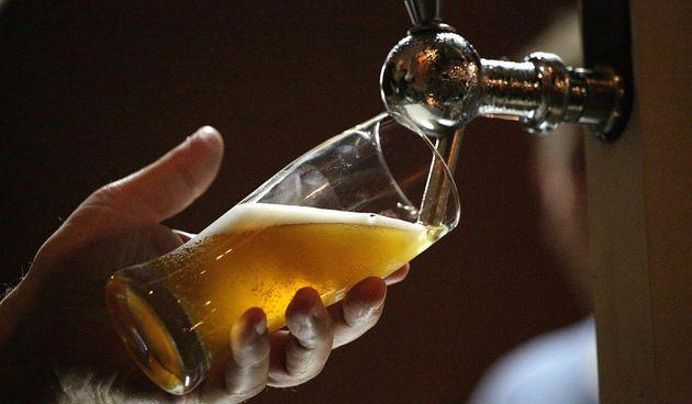 Pivo, alkohol, kafić