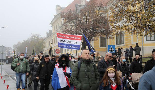 Nekoliko tisuća ljudi u Koloni sjećanja: Nisu se pridržavali distance, a mnogi nisu imali ni maske