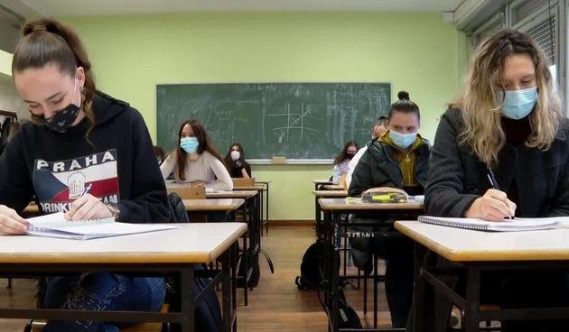 HZJZ objavio upute što činiti pri zarazi koronom u razredu: Koje su dužnosti škole, tko i kada mora u samoizolaciju