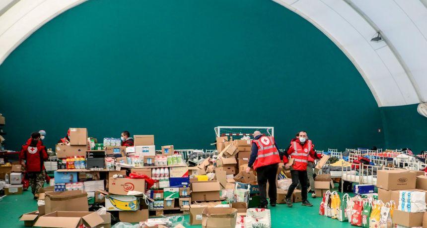 Crveni križ poziva stradale u potresu da preuzmu grijalice, deke, toplu odjeću i obuću