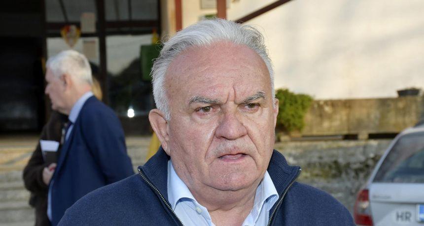 Dumbovića uhvatili u skupocjenoj jakni, on odgovorio: 'Oko svakog mog koraka se sad stvara fama, a jakna košta puno manje'