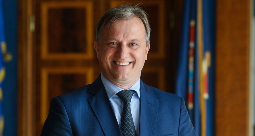 Premijera Dukićeva predizbornog spota: brojna gradilišta, novi projekti i mjere i puno osmijeha