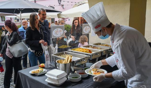 OBLIZEKI VARAŽDINSKE ŽUPANIJE Nedjeljna gastronomska poslastica u atriju Županijske palače
