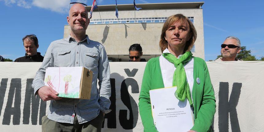 Incijativa 'Čuvamo naš park' predala peticiju: 'Bandić je lažirao anketu'