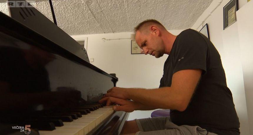 Pijanist Ivan Škreblin radi kao ulični svirač diljem Europe: 'Zarada je dobra, ljudi se okupe oko mene, svi plješću, bakice plaču…'