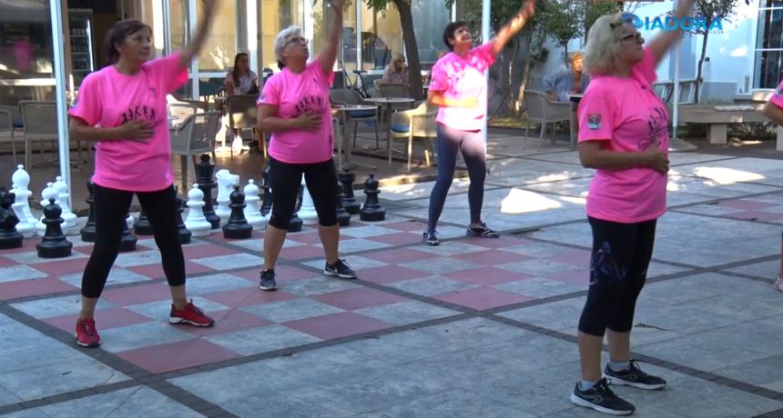 Zadarske umirovljenice vježbale u Gradskoj knjižnici