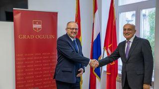 Gradonačelnik Domitrović ugostio veleposlanika Azerbajdžana: Stvaramo okruženje za uspostavu gospodarskih odnosa s ogulinskim tvrtkama