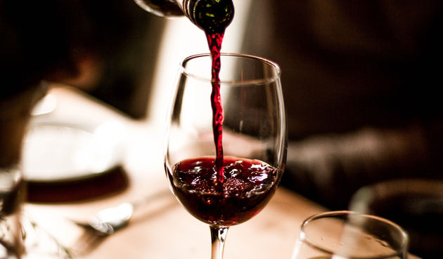 Tjera stjenice - one žive od ljudske krvi, ali su manje zainteresirane za krv kad je u pitanju čovjek koji je popio nekoliko čaša crnog vina, prema istraživanju provedenom na Sveučilištu Nebraska-Lincoln u SAD-u