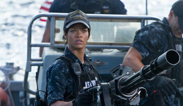 Rihanna, Bojni Brod