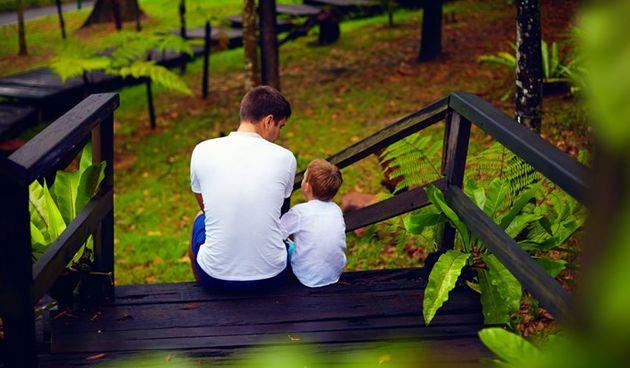 Tuga, dječak, očinstvo, dijete, djeca, otac, tata, sin, obitelj