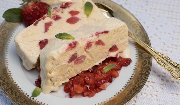 Hrana fina by Jozefina: Semi freddo s jagodama je sve što nam treba za uživanciju ovu savršenu ljetnu nedjelju