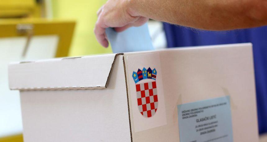 Otvorena biračka mjesta za 'manjinske izbore': Kandidata je više od 6500