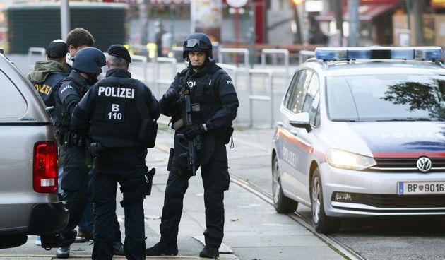 Policija na ulicama Beča jutro poslije napada