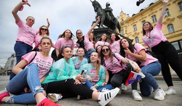 Unatoč zabranama, maturanti slavili na zagrebačkom glavnom trgu