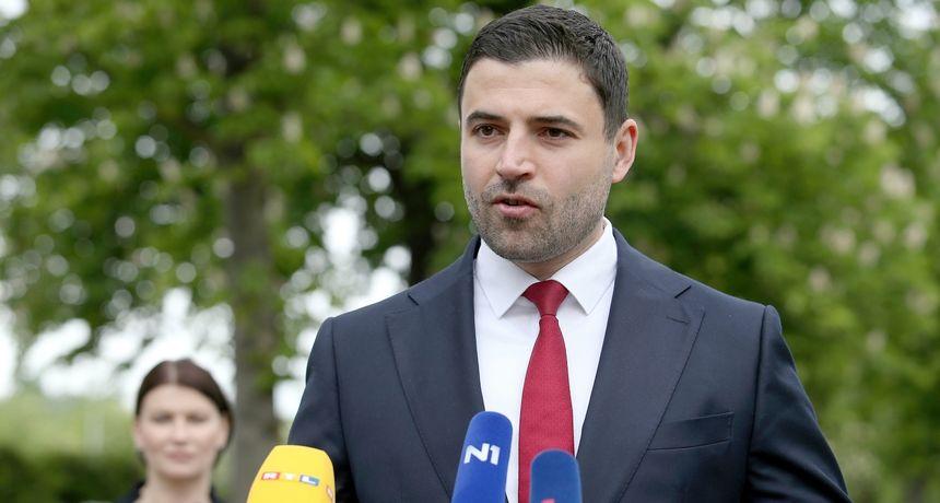 Bernardić pozvao Slavonce da glasaju za Restart koaliciju: 'Afere ruše povjerenje u sustav...'