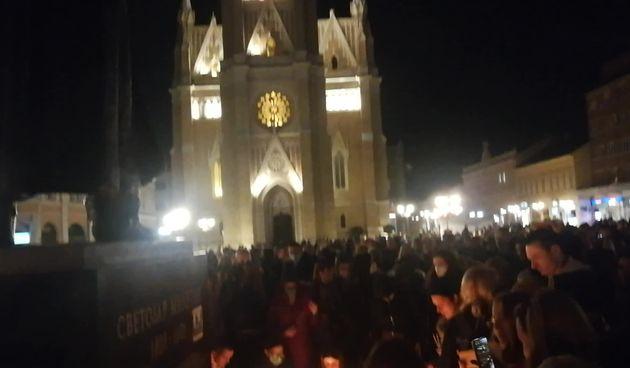 Novi Sad se oprašta od Balaševića (thumbnail)