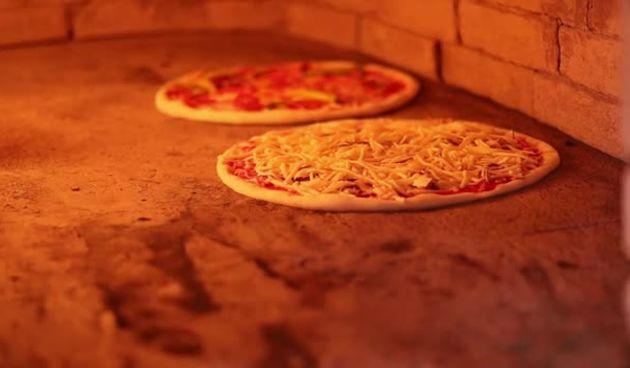 Savršena pizza by Pizzeria Gracija (thumbnail)