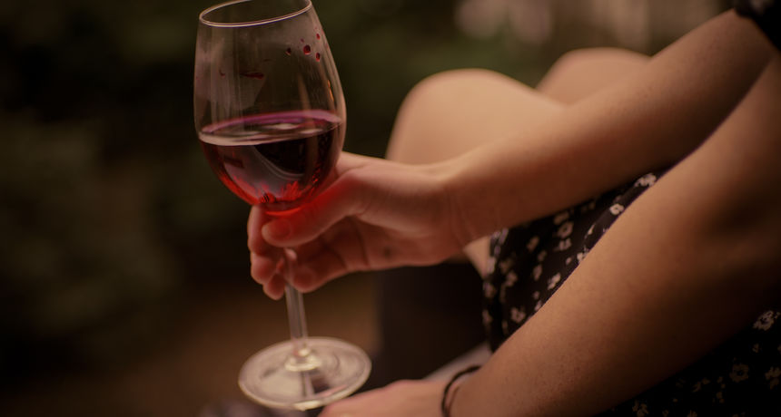 Alkohol je povezan s više od četiri posto novih slučajeva raka u 2020. godini