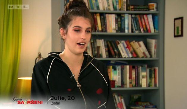 Julie se boji trajekta (thumbnail)