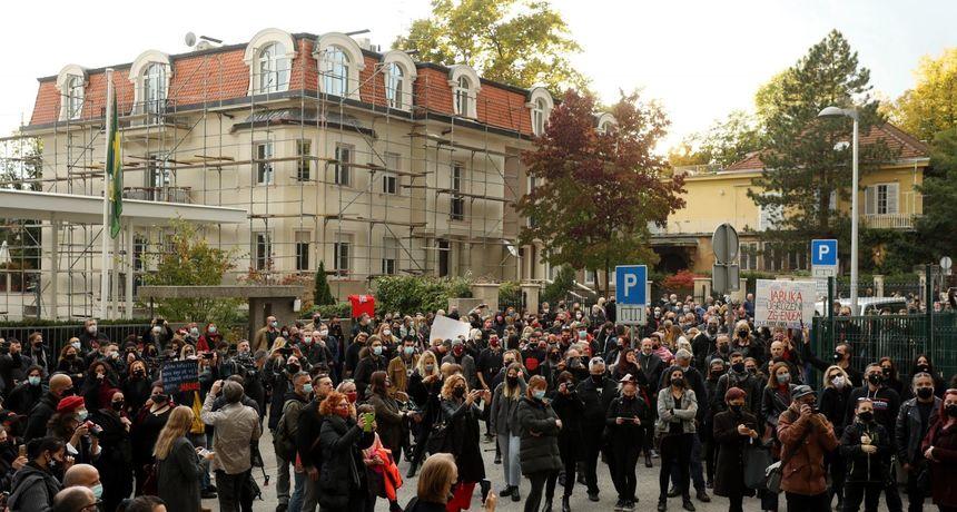 Održan prosvjed 'Ne damo Jabuku': 'Ovo je kuća za nas i ovo je kuća za sve naše ljude'