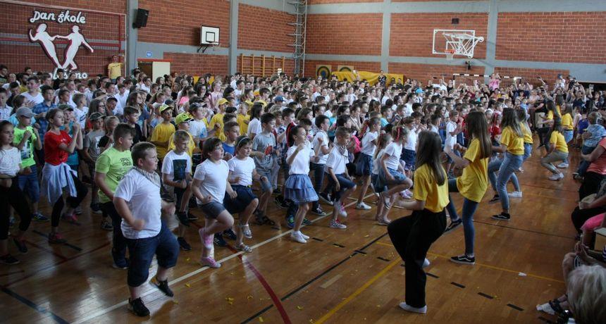 FOTO OŠ Nedelišće: Šestotinjak učenika plesalo na Danu škole