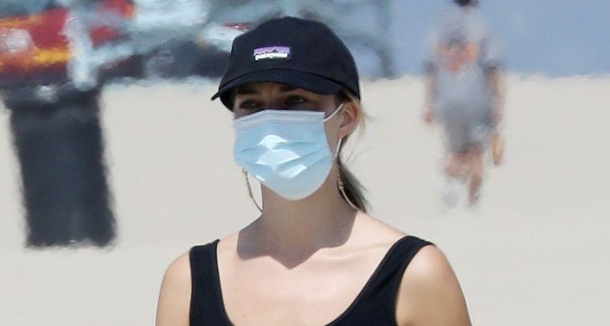 Dobro iskoristila pandemiju: Žena koju mnogi smatraju najljepšom u Hollywoodu pokazala isklesani trbuh
