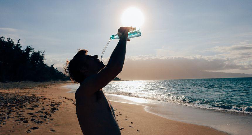 Prva stvar koju trebate napraviti kada se probudite jest - popiti vodu. Evo i zašto